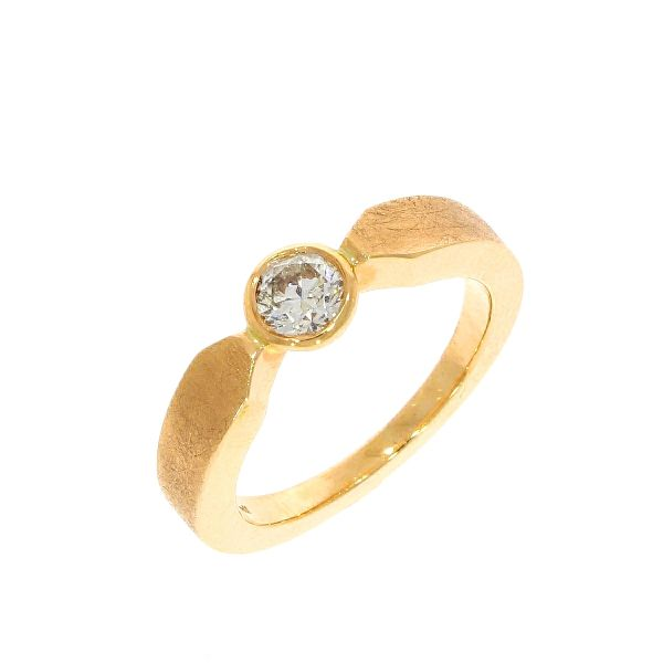 Ring 585/- Rotgold mit Brillant